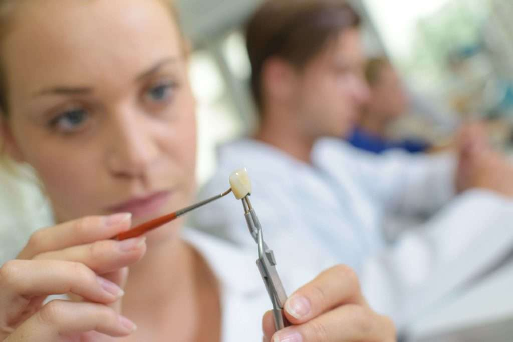 Formation prothésiste dentaire